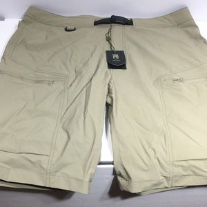 Free Soldier shorts